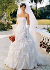 David's Bridal Wedding Dress Satin pick-up ballgown with corset bodice and brooch detail. Style T9104, White, 6 picture 01
